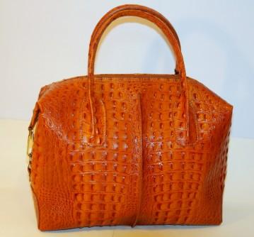 Женская сумка под крокодила.